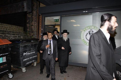 Rabbi Litzman, Health Minister, Visits Ezra Umarpeh's Head Office